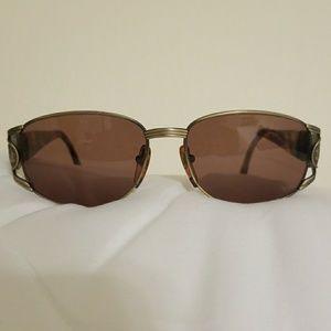 Authentic Fendi Sunglasses Sunnies 🕶️